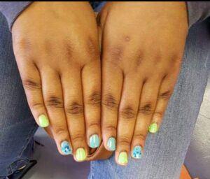 Multicolor manicures