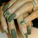 Green nails photo for carousel